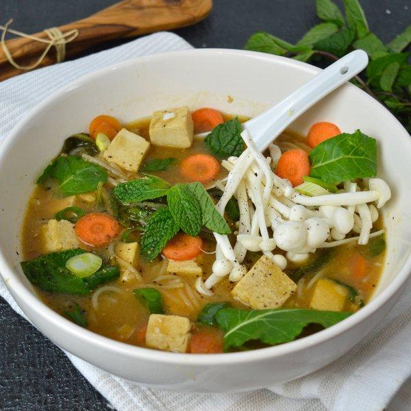 Soupe miso végé au tofu et vermicelles